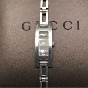 Gucci chain link watch